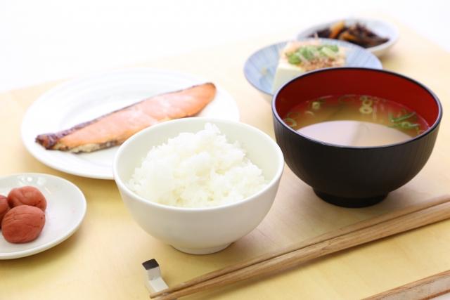 """<img src=""""170407_wasyoku.jpg"""" alt=""""和食""""/>"""