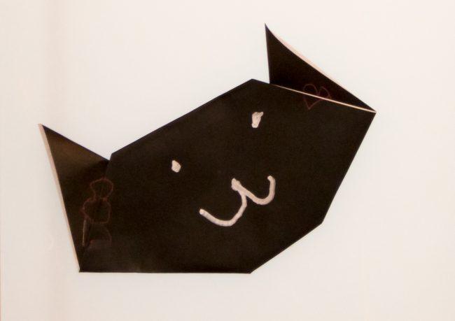 ネコの顔の折り紙