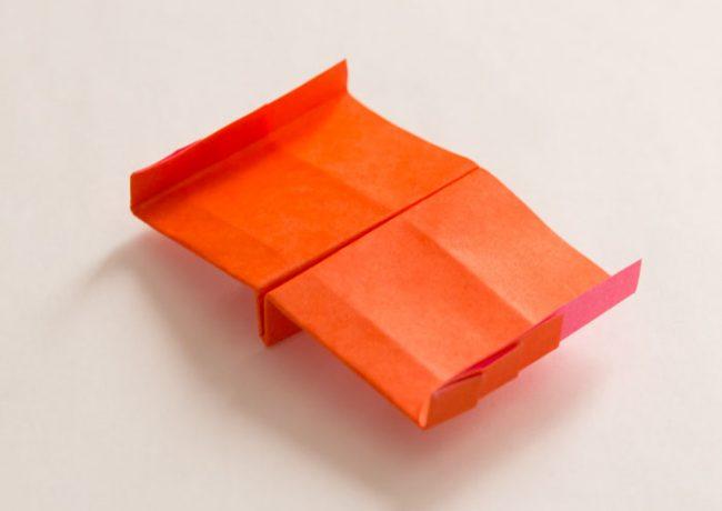 紙飛行機「スーパーフィン」